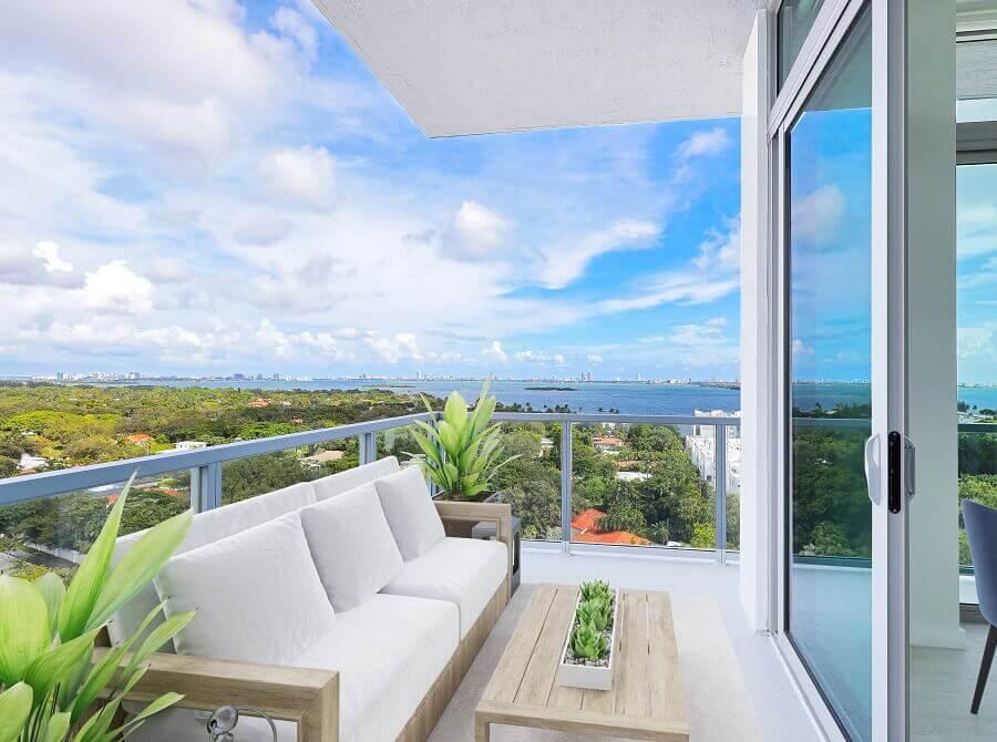 3. Balcony-Bay-View