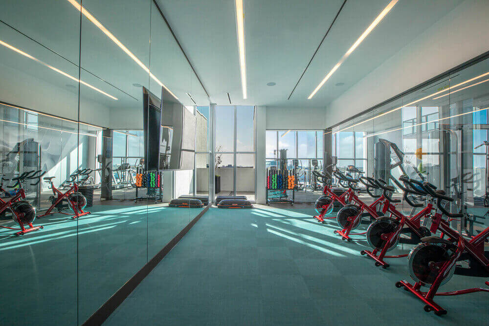 Quadro-Fitness-Center-Yoga-and-Spinning-Room