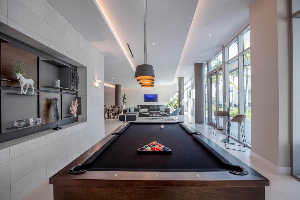 Quadro-Poolside-Lounge-Billard-Table